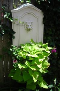 fountain planter on Buzz Around Hamburg Garden Walk