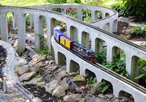 Western New York Garden Railway Keuther tressel