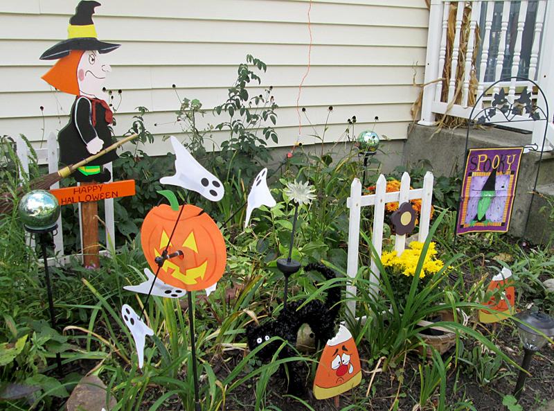 Halloween decorations in Lancaster NY by Debbie Hageman
