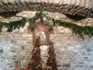 great hall garland by Youngstown NY Garden Club