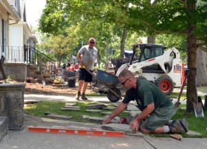 Murray Brothers staff at Front Yard Garden Competition in Buffalo NY