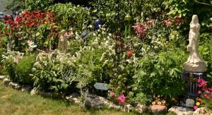 lush condo garden in Amherst NY