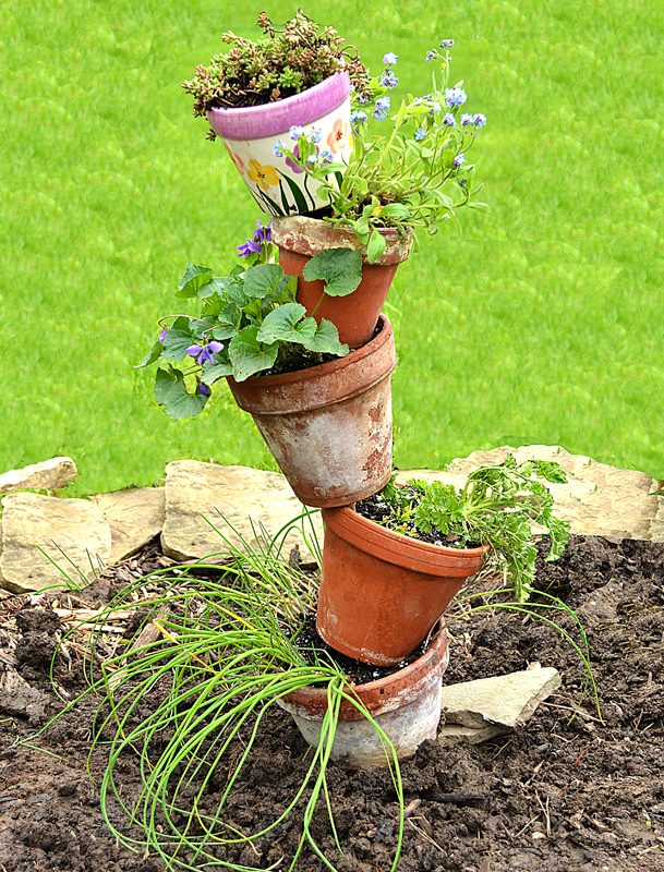 make this leaning tower of pots it s easy when you know