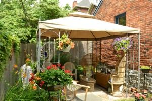 gazebo in Buffalo NY with ceiling fan