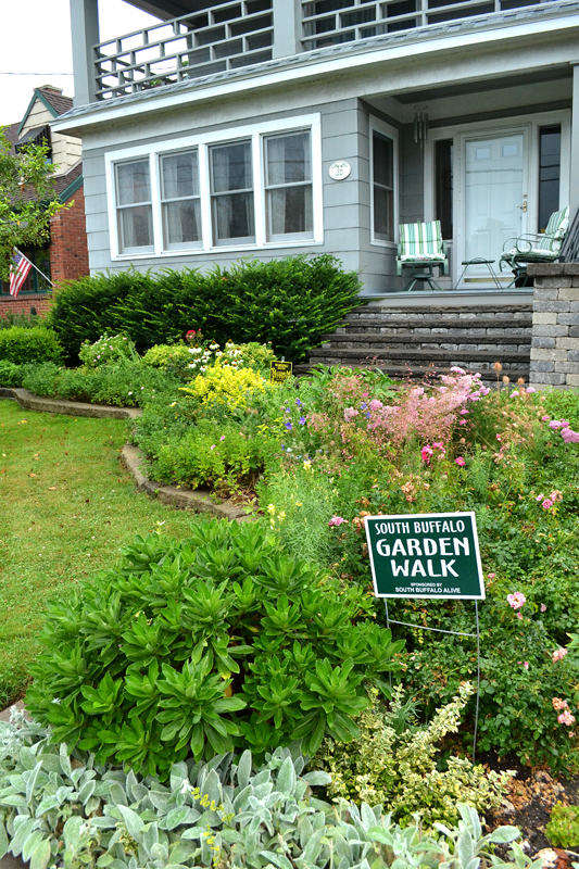 Buffalo Garden Walk: South Buffalo Gardener Fills Many Gardens With Plants That