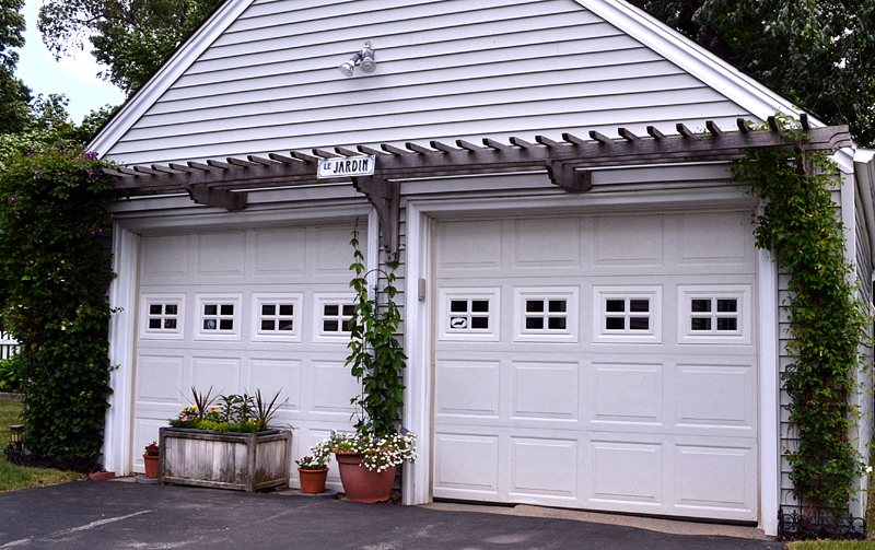 arbor on garage in Williamsville NY