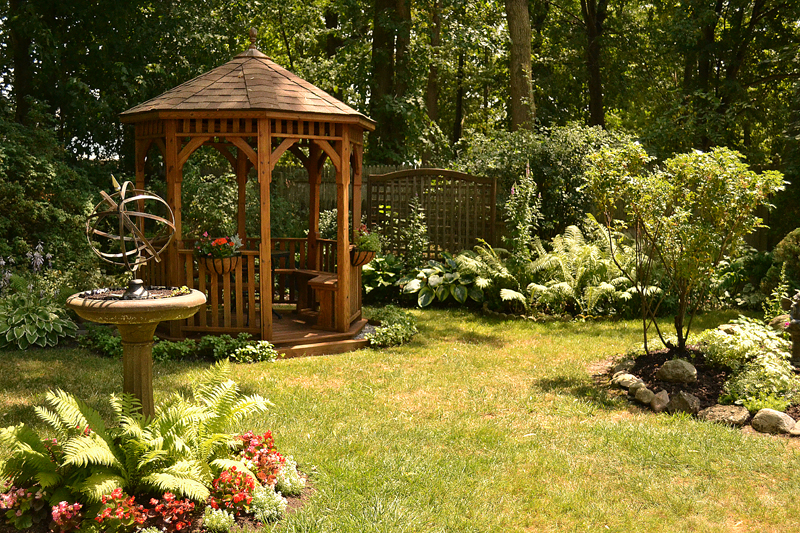 gazebo in back yard in Grand Island NY