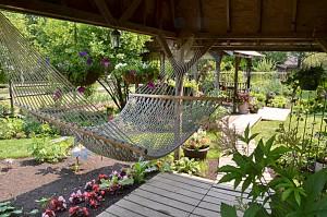 hammock in Tonawanda NY garden