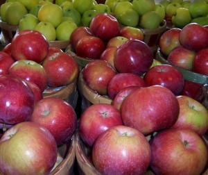 local apples from Goodman's Farm Market Niagara Falls