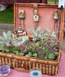 picnic basket container garden in Lewiston, NY
