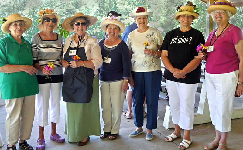 Orchard Park Garden Club past presidents at picnic 2013