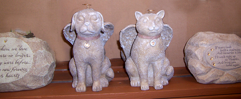 cat and dog memorials at Goodman's Farm Market Niagara Falls NY