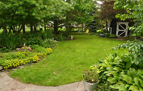overview-Leising-yard-in-Amherst-NY
