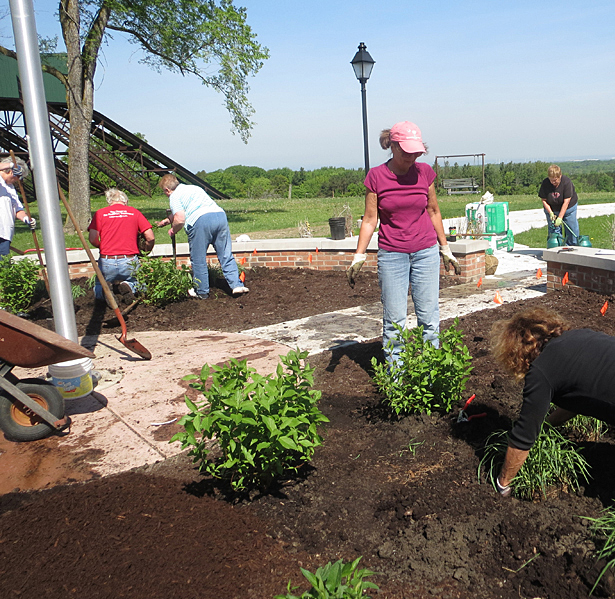 planting Honor Garden at Chestnut Ridge