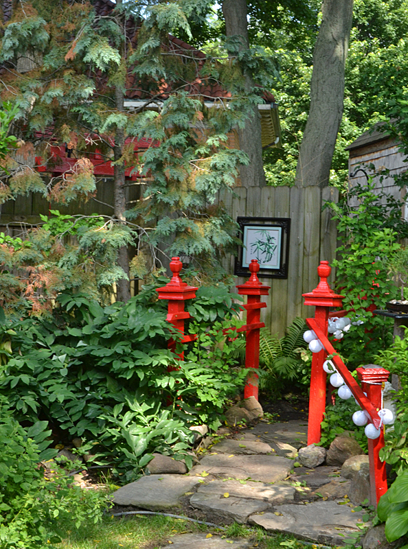 red railings leading to tea house in Lancaster NY