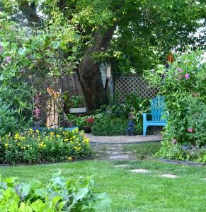 shady garden in Buffalo NY
