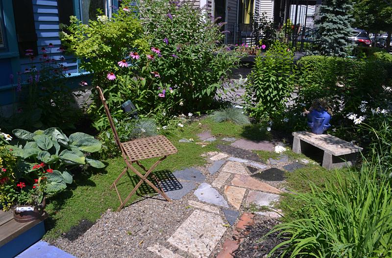 Front Yard Perennial Gardens - Garden Inspiration on