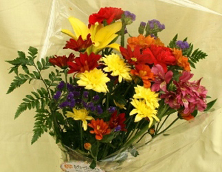 bouquet courtesy Mischler's Florist in Williamsville