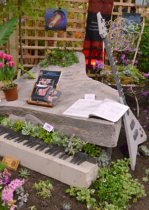 rock piano and guitar at Plantasia