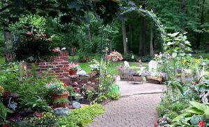 backyard patio with archway in Grand Island, NY