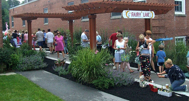 visitors looking at container garden contest in Williamsville