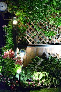 fence along driveway on Ken-Ton Garden Tour