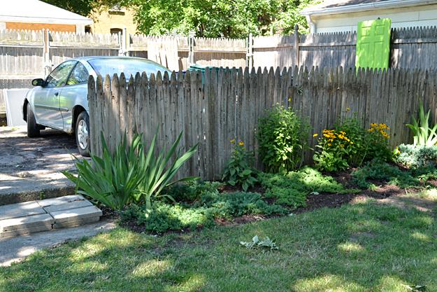 fence to hide work area in Niagara Falls yard