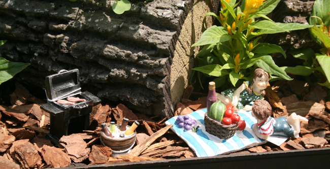 miniature garden in grill in Williamsville