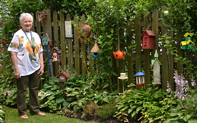 Pat Noonan and her bird houses in Hamburg