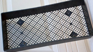 plastic mesh tray for flat of plants