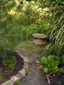garden seating from rock slab on cinder blocks