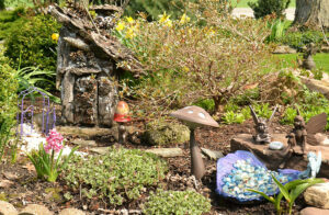 fairy garden in Homme yard in Pendleton