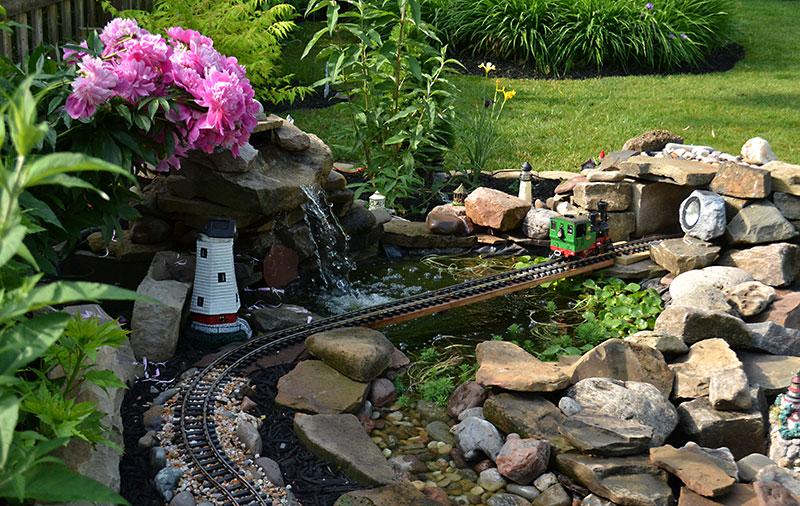 railroad in garden in Lewiston NY